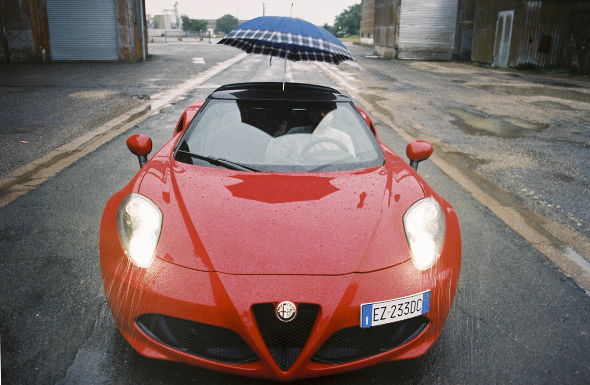 alfa-4c-spider-intersection