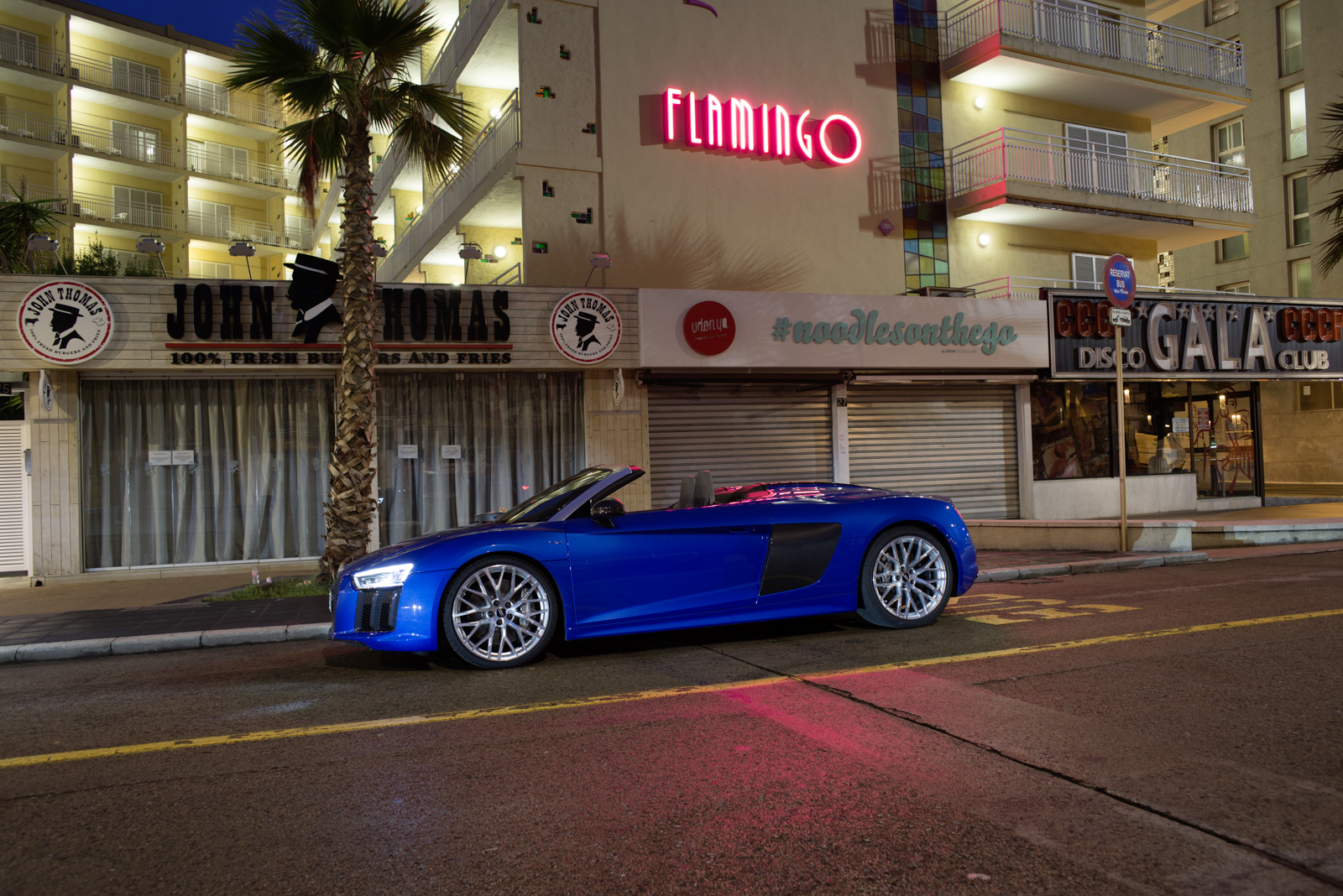 L'Audi R8 Spyder Se La Joue Sport-Chic
