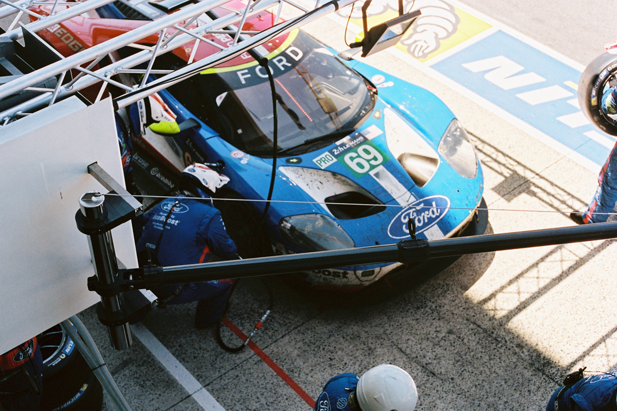 Intersection_ford gte pit stop le mans 69