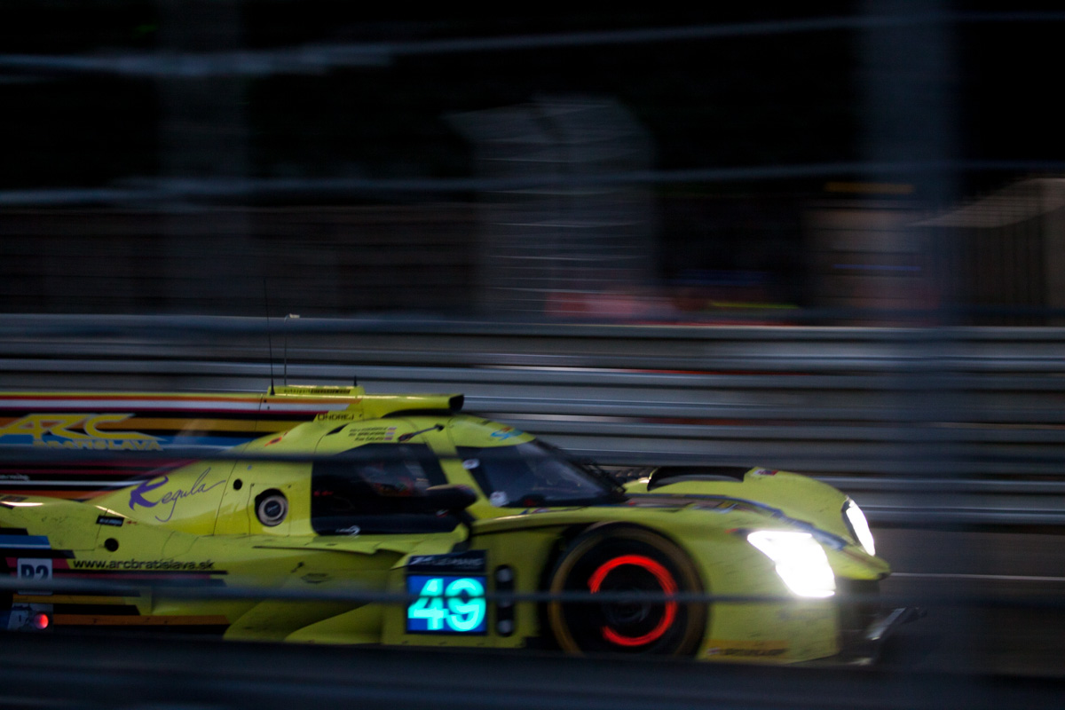intersection_le mans lmp2 glowing brakes hunaudieres